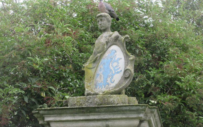 Stone-piers-St-Johns-Lodge-Gardens-@AnneMarieCraven
